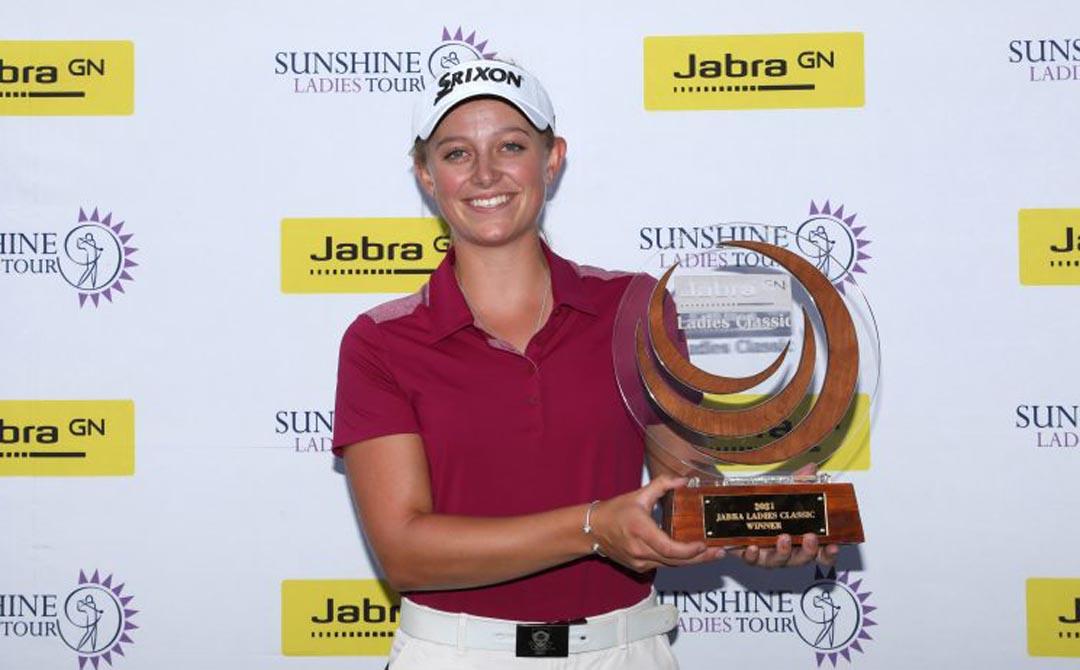 Magnificent Macnab makes history in Jabra Ladies Classic